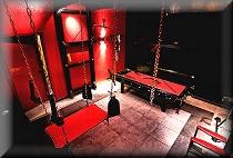 Erotische BDSM Zimmer bei Arachne
