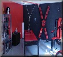 Spielzimmer für BDSM in zwei SM Ferienwohnungen